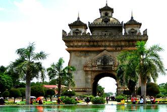 Asiaplus-Voyages-Laos-Vientianne-Patuxai