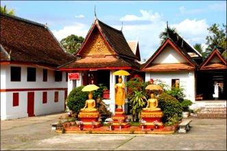 Asiaplus-Voyages-Vietnam-Laos-luang-prabang-le-Vat-Mai- Wat Mai