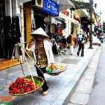Asiaplus-Voyages-Hanoi-Vieux-Quartier-vendeur-ambulant