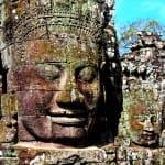 Cambodge-Siem-Reap-temple-Angkor-Bayon-statues-min
