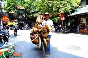 Asiaplus-Voyages-Vietnam-Hanoi-Vieux-Quartier-vendeur-ambulant
